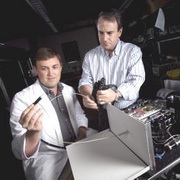 Photo: Researchers with the prototype of the new device