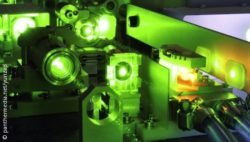 Image: Tool works with green laser; Copyright: panthermedia.net/yurizap