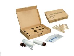 Image: A paper box and different tools to to take samples; Copyright: Süsse Labortechnik