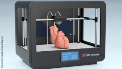 Image: Computer-generated image of a 3D printer that prints a human heart; Copyright: panthermedia.net/luca de polo