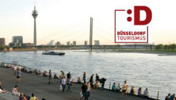 Foto: City view of Duesseldorf and DT Logo