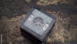 Image: Small black box with a kind of propeller inside; Copyright: memetis