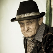 Photo: Portrait of an old man