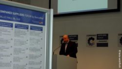 Image: Uwe Steinbacher during his lecture at COMPAMED SUPPLIERS FORUM; Copyright: beta-web/Roth