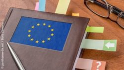 Image: book with the logo of the EU; Copyright: panthermedia.net/Boris Zerwann