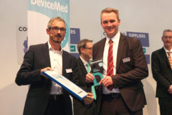 Image: Two winners of a DeviceMed Award; Copyright: DeviceMed