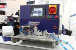 Photo: A machine to shape catheters; Copyright: beta-web/Klein