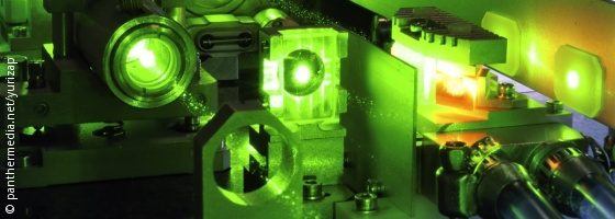 Image: Tool works with a green laser; Copyright: panthermedia.net/yurizap